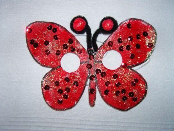 Masque papillon rouge pour le carnaval activite papillon - Masque papillon carnaval ...