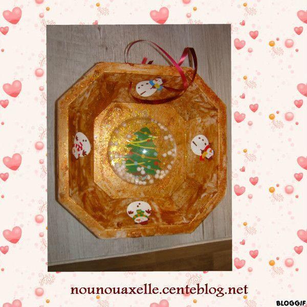 Assiette décorée avec une demi boule transparente