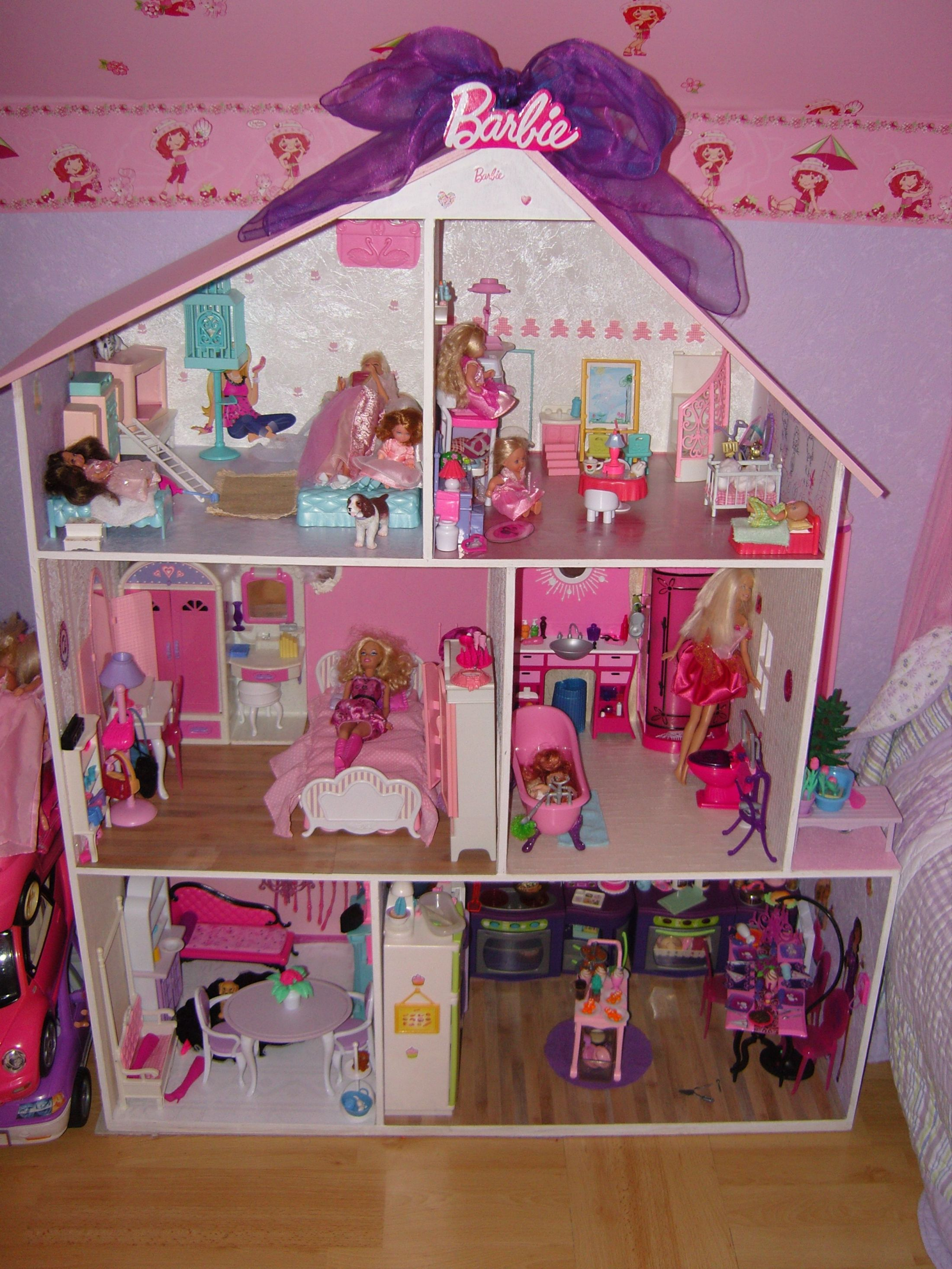 comment decorer une maison de barbie. Black Bedroom Furniture Sets. Home Design Ideas