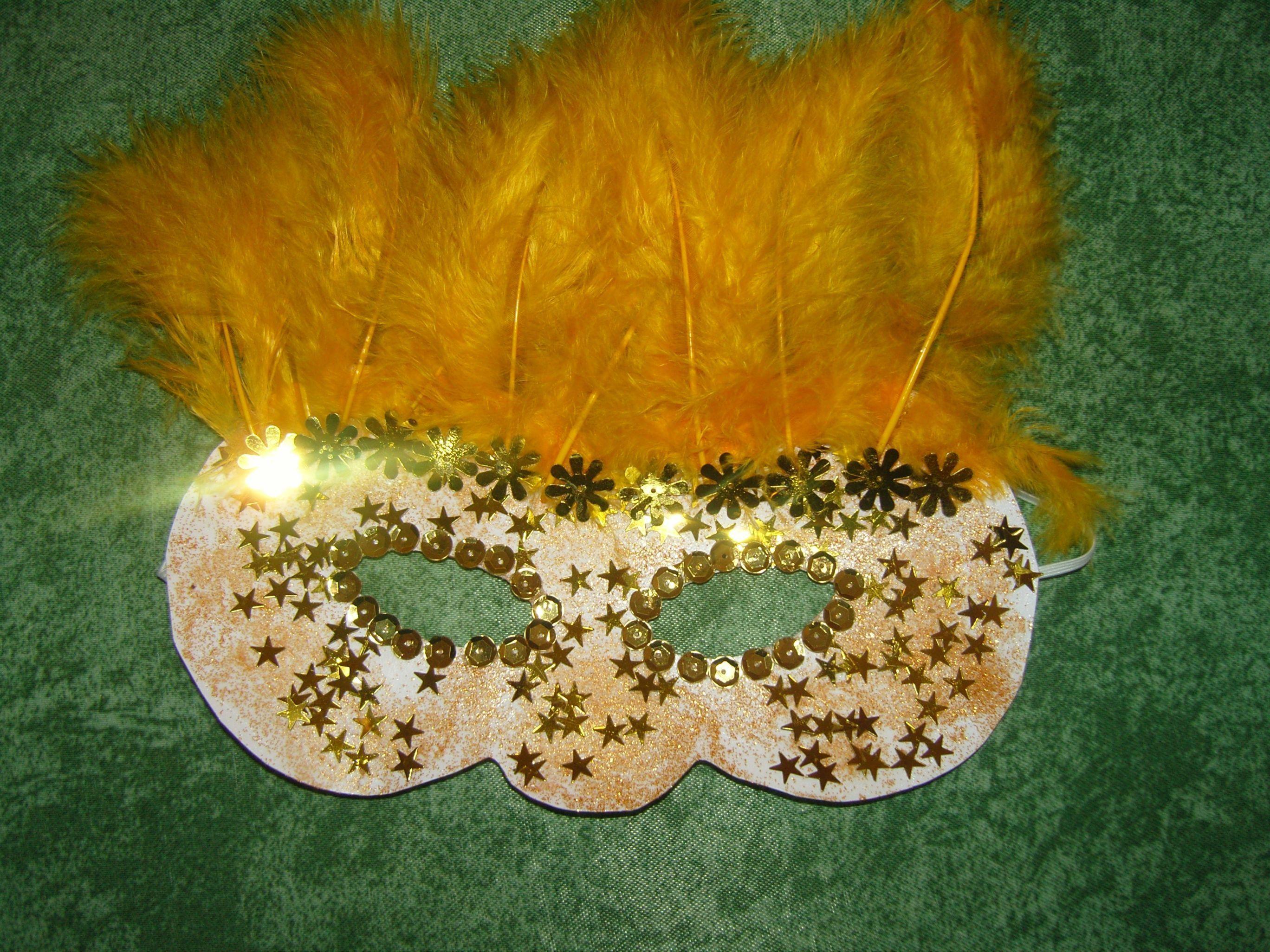 Activites manuelles carnaval - Masque papillon carnaval ...