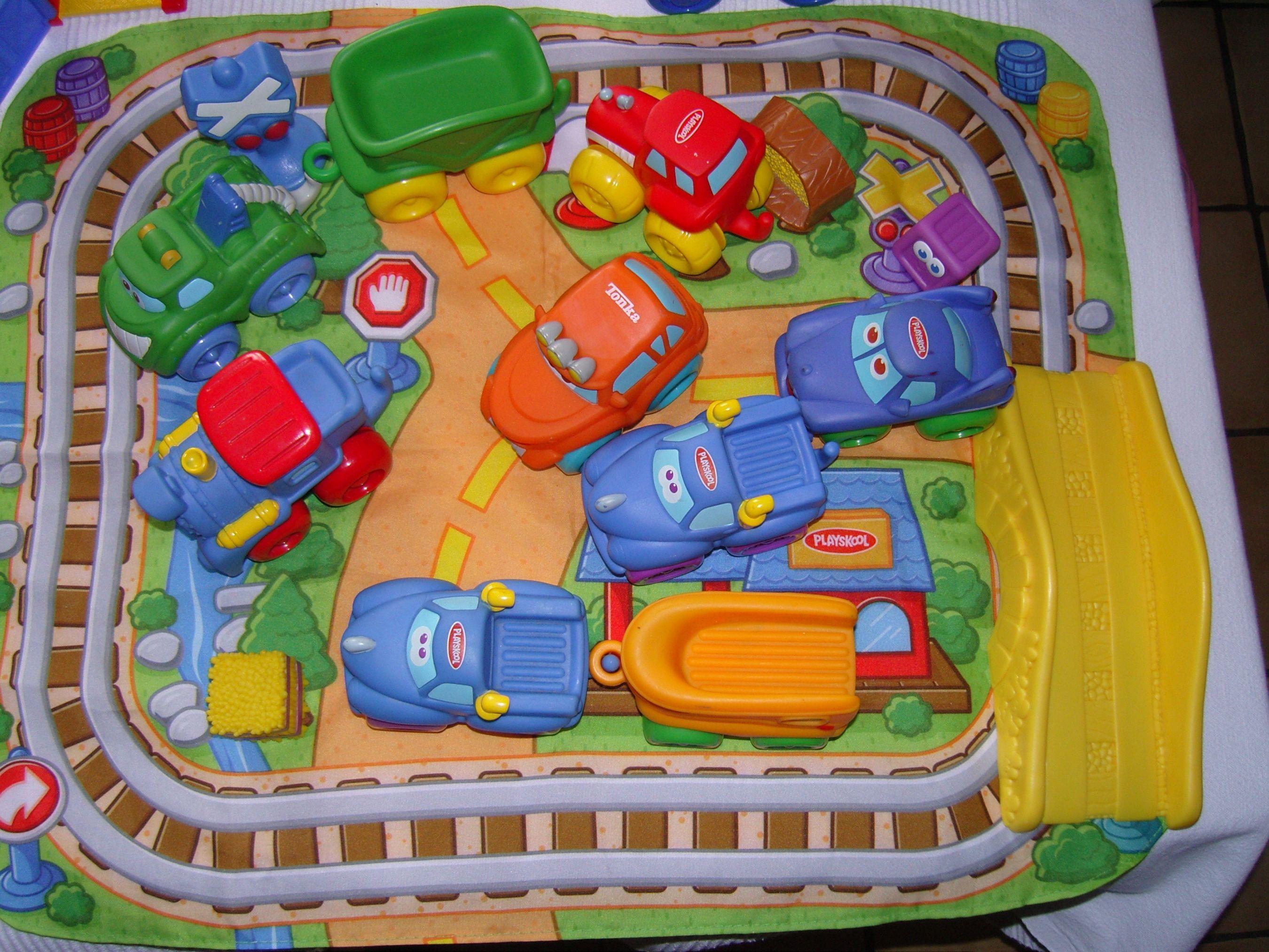 Images correspondant tapis circuit voiture